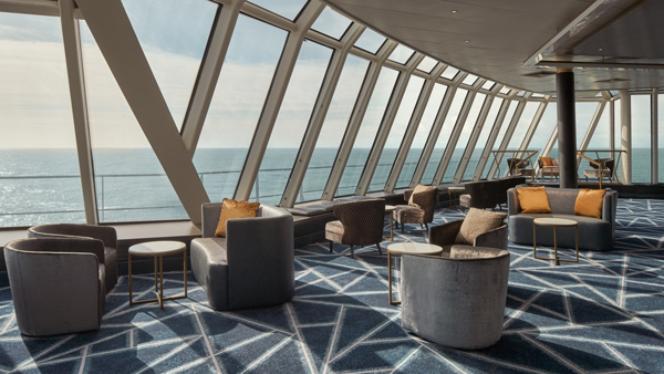 NCL Norwegian Spirit: Lounge